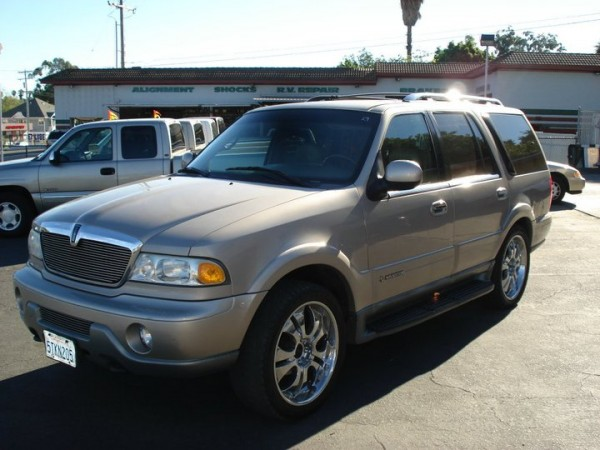 2001 Used Lincoln Navigator Color Gold For Sale In