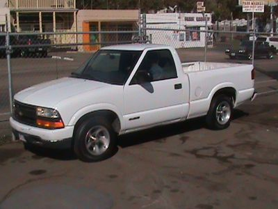 2000 used chevrolet s10 pickup color white for sale in. Black Bedroom Furniture Sets. Home Design Ideas